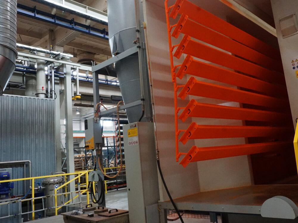 Pulverbeschichtungsanlage in unserer Fabrik
